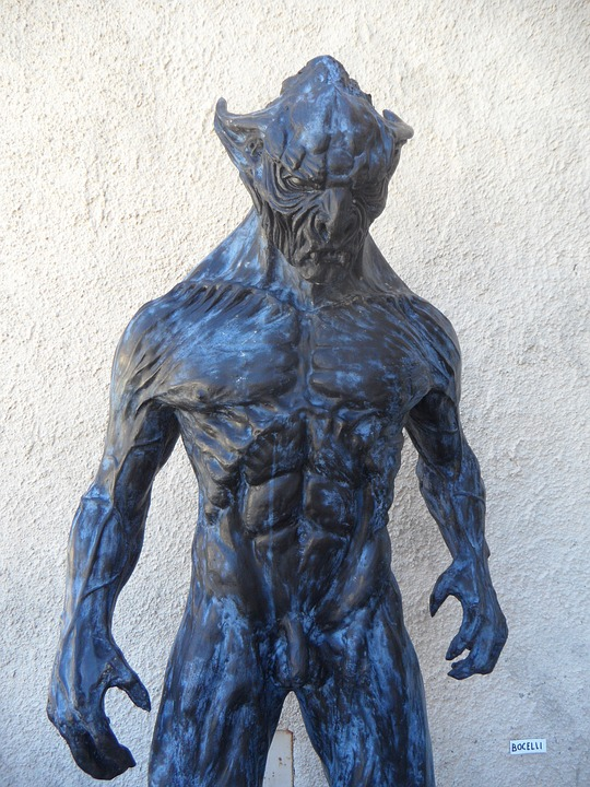 Kanus: beings similar to dogs or wolves.