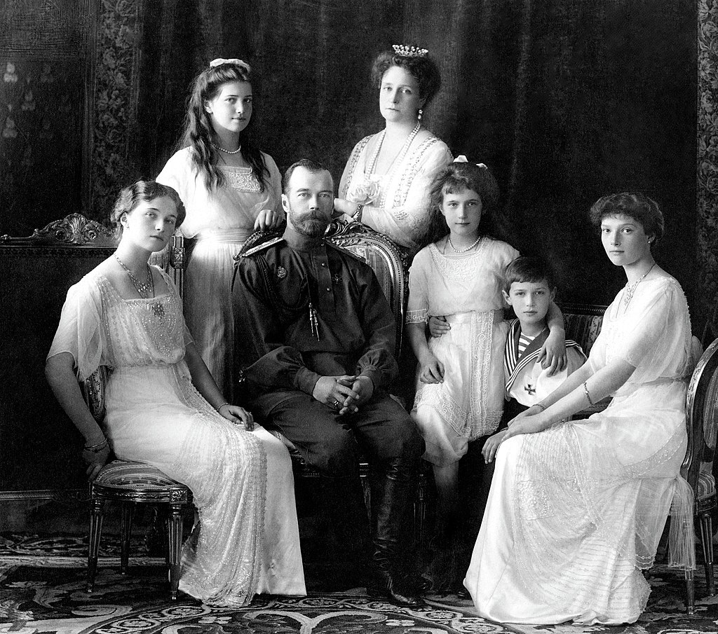 Manhattan Project-Tzar Nicolas II and his family_1913