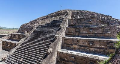 Liquid mercury under the pyramid in Teotihuacán