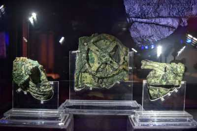 The Antikythera mechanism: an advanced planetarium